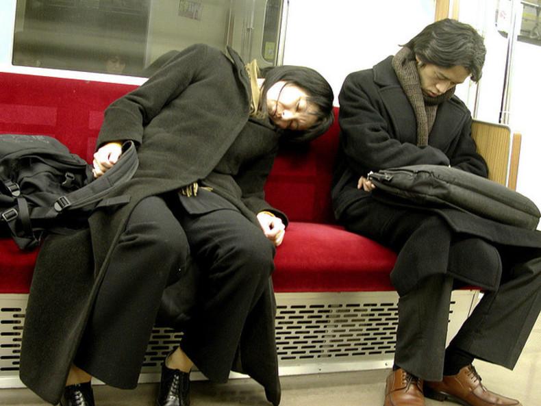 Приснилось метро, но нужного толкования сна нет в соннике?
